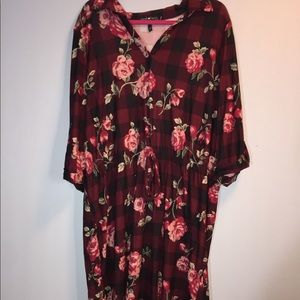 Dresses & Skirts - Comfy dress, Maroon with flowers and plaid